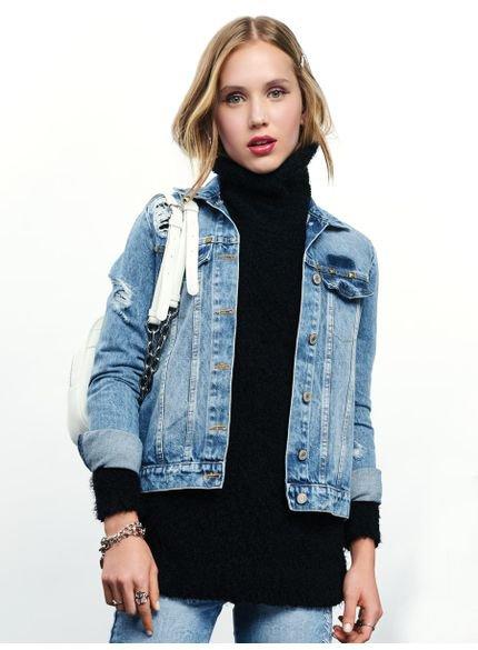jaqueta jeans com rasgos e rebite t6925 look