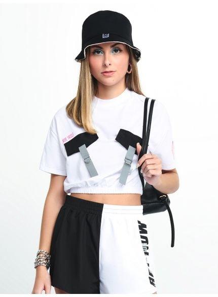camiseta cropped com bolso t7151 look