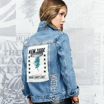 Jaqueta Jeans com Rasgos e Rebite T6925